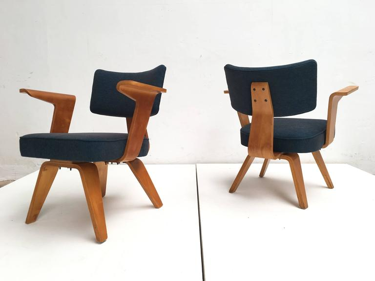 Dutch Pair of Plywood Cor Alons HF506 Easy Chairs for Den Boer Gouda the Netherlands For Sale