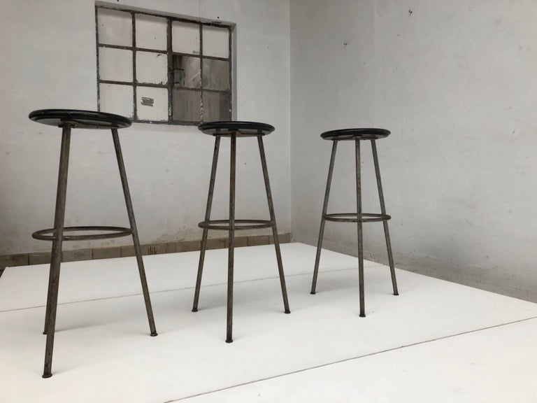 1950s Swiss Industrial Confection Atelier Tripod Working / Bar Stools In Good Condition For Sale In bergen op zoom, NL