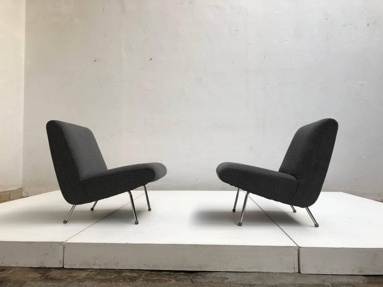 Pierre Guariche Model 'Breda' Lounge Chairs for Meurop, 1960s, New Upholstery! In Good Condition For Sale In bergen op zoom, NL