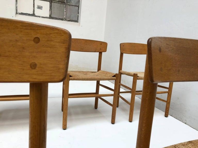 Set of Six Borge Mogensen J39 Shaker Oak and Papercord Dining Chairs, Denmark 6