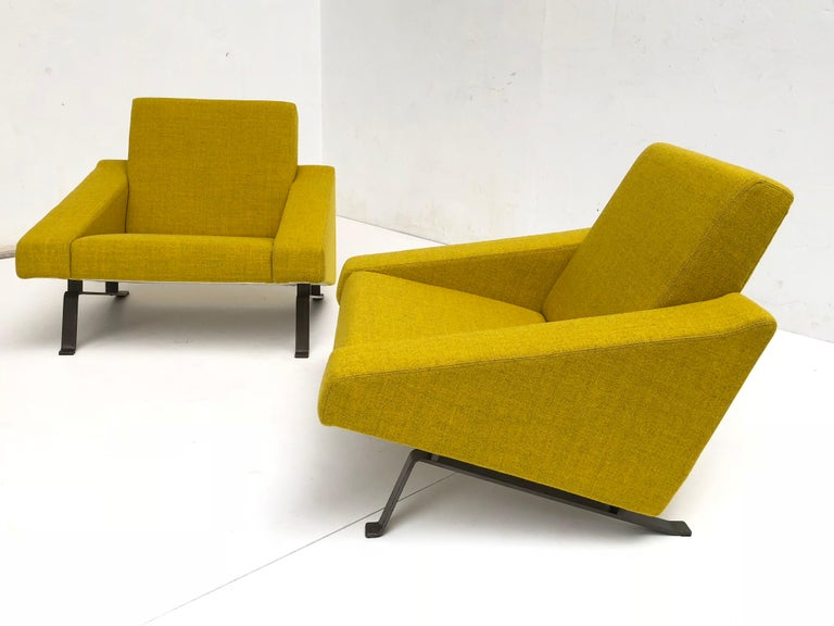 Rare Triangel Sofa and two Lounge Chairs by Gelderland, circa 1958 De Ploeg Wool For Sale 7