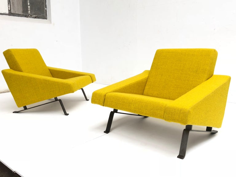 Mid-Century Modern Rare Triangel Sofa and two Lounge Chairs by Gelderland, circa 1958 De Ploeg Wool For Sale