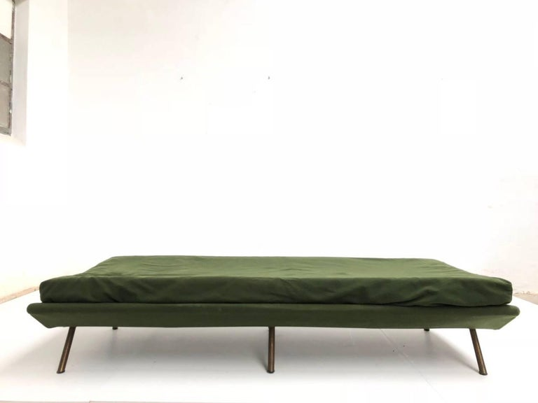 Superb 'Triennale' Brass Leg Daybed by Zanuso for Arflex, 1951, Original Labels For Sale 5