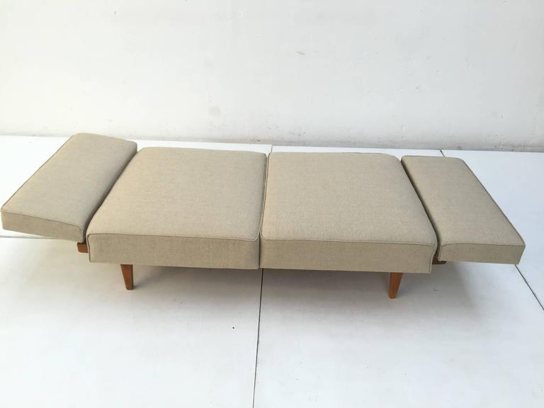 1950s Magic Day Bed Sofa Model Stella (no. 5920) By Wilhelm Knoll Germany In Good Condition For Sale In bergen op zoom, NL