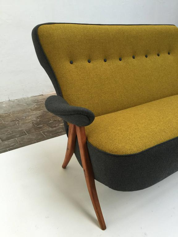 Stunning Theo Ruth Model 105 'Hair Pin' Sofa for Artifort with Kvadrat Wool In Good Condition For Sale In bergen op zoom, NL