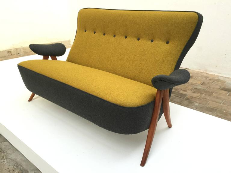 Rare sofa model 105 lounge chairs by Theo Ruth for Artifort produced in 1957.