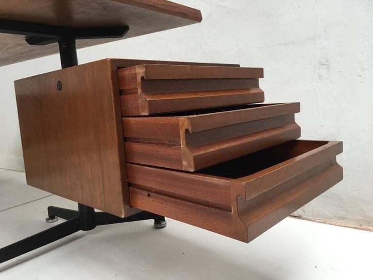 Aluminum Beautiful T95 'Direzionale' Desk with Swivel Drawer Units, Osvaldo Borsani, 1956 For Sale