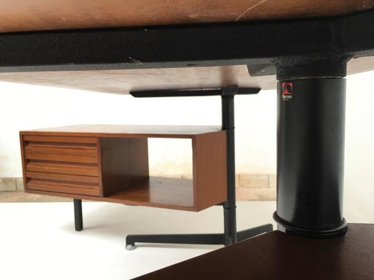 Beautiful T95 'Direzionale' Desk with Swivel Drawer Units, Osvaldo Borsani, 1956 For Sale 2