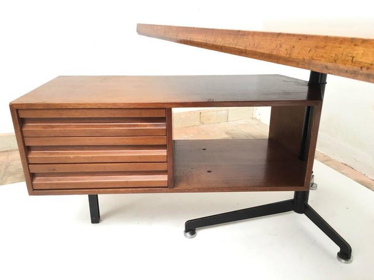 Mid-20th Century Beautiful T95 'Direzionale' Desk with Swivel Drawer Units, Osvaldo Borsani, 1956 For Sale
