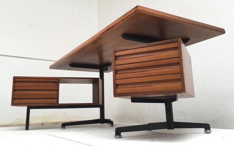 Mid-Century Modern Beautiful T95 'Direzionale' Desk with Swivel Drawer Units, Osvaldo Borsani, 1956 For Sale