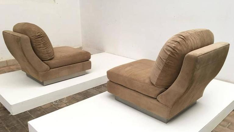 Mid-Century Modern Superb Pair of Suede Willy Rizzo Lounge Chairs, Signed Studio Willy Rizzo, 1969 For Sale