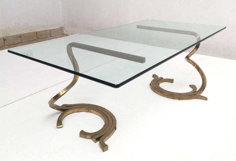 Mid-Century Modern Stunning Sculptural Serpentine Form Coffee Table, Solid Brass Bar, Italy, 1970 For Sale