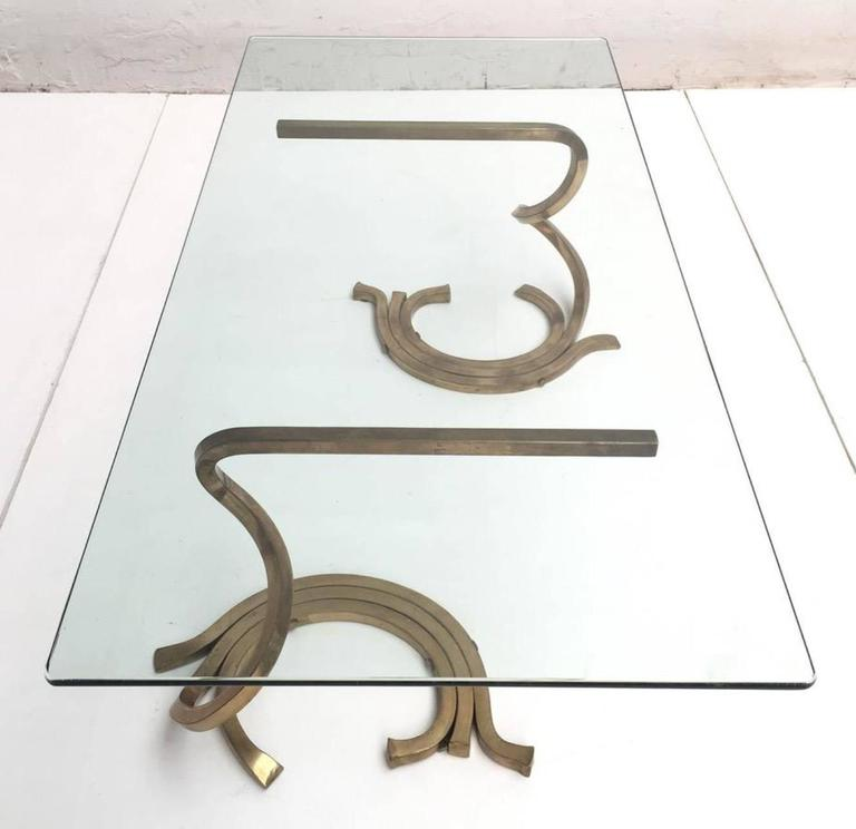 Hand-Crafted Stunning Sculptural Serpentine Form Coffee Table, Solid Brass Bar, Italy, 1970 For Sale