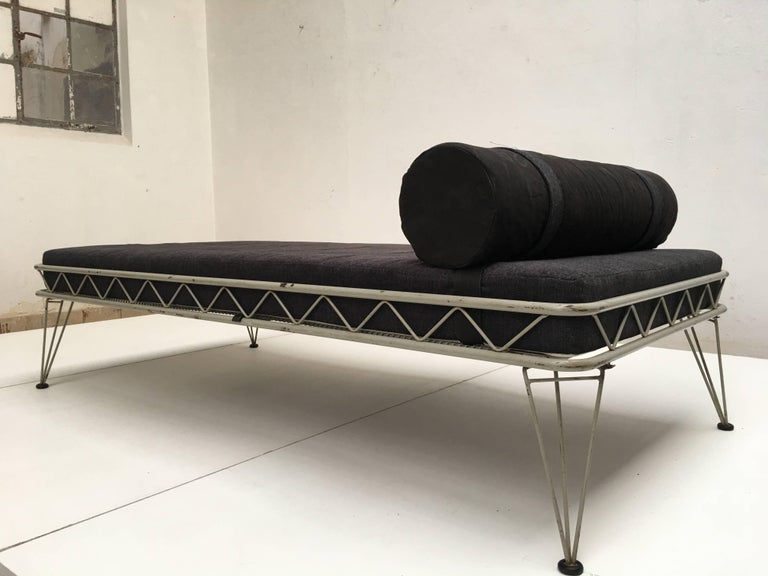 Daybed 'Arielle' by Dick Cordemeijer for Auping 1954, New Upholstery For Sale 3