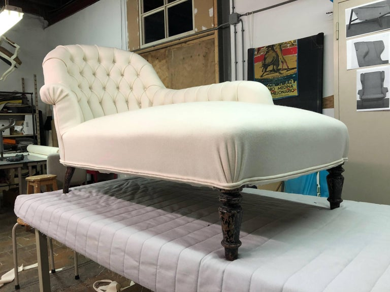 French Méridienne / Chaise Longue circa 1850 Re-Upholstered in De Ploeg Wool In Good Condition For Sale In bergen op zoom, NL