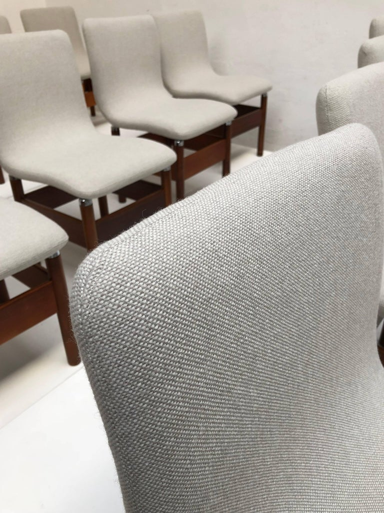 12 'Chelsea' Dining Chairs by Introini, Saporiti 1966, Upholstery Fully Restored 5