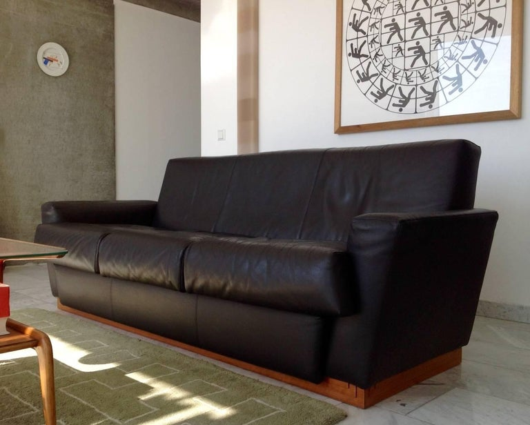 Modern Very Rare Leather Sofa by Frank Lloyd Wright Imperial Hotel Tokyo Cassina, 1996 For Sale
