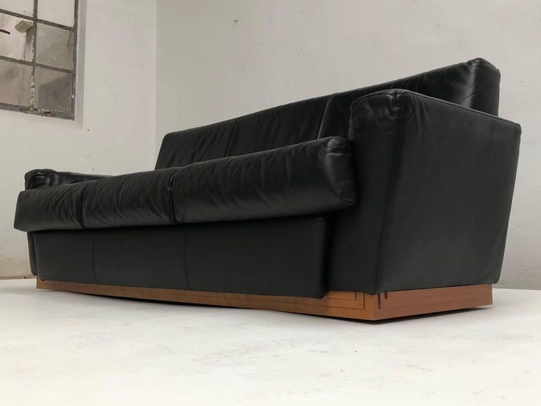 Very Rare Leather Sofa by Frank Lloyd Wright Imperial Hotel Tokyo Cassina, 1996 For Sale 2