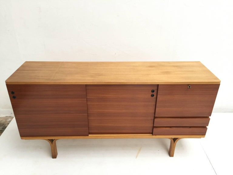 Stunning Ash and Mahogany Credenza Bar by J.A Motte, 1954 for Group 4 Charron For Sale 2