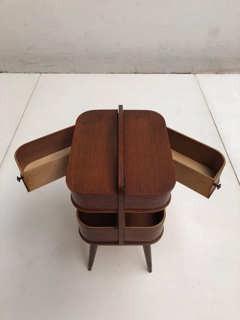 Adorable Danish Teak Plywood Sewing Box Distributed by Pastoe in the 1950s For Sale 4