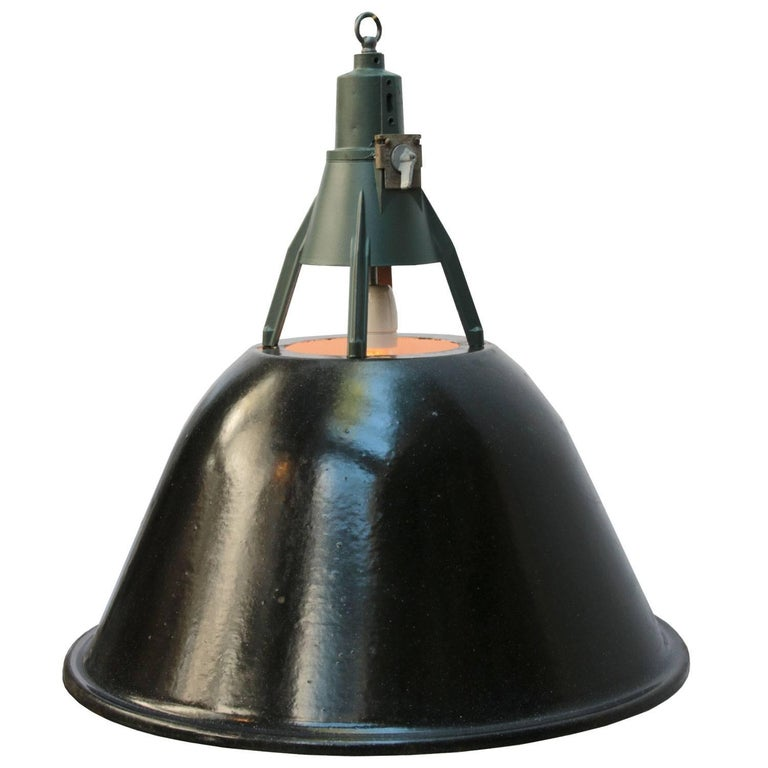 Vintage Industrial Enamel Pendant Light: Black Enamel Vintage Industrial Pendant Lights (6x) For
