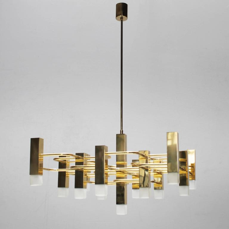 Large Brass Chandelier by Sciolari for Boulanger For Sale at 1stdibs – Large Brass Chandelier