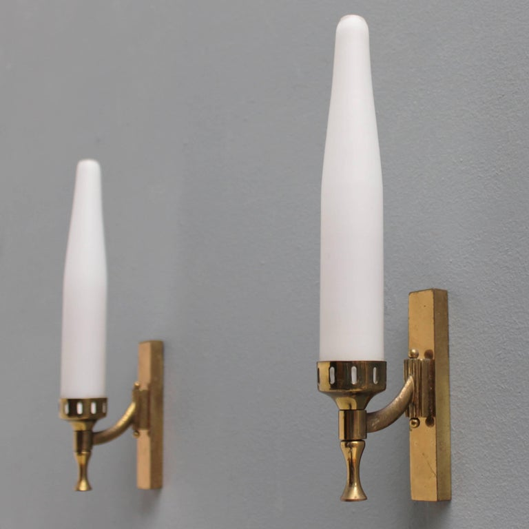 Pair of sconces in brass and satinized glass, attributed to Arredoluce Italy.