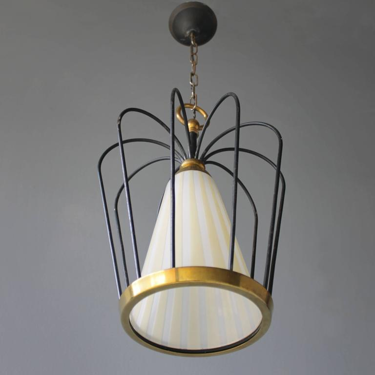 Mid-Century Modern Italian Pendant in the Style of Stilnovo For Sale