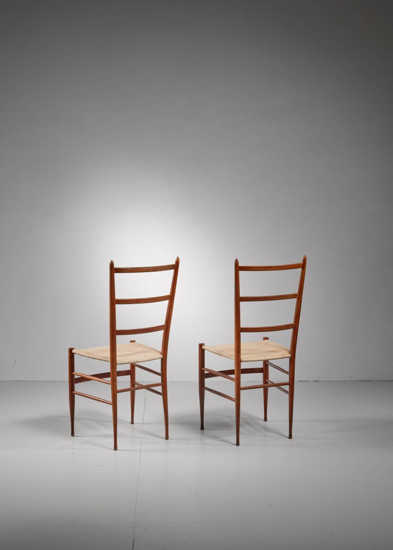 Mid-Century Modern Pair of Chiavari chairs, Italy For Sale