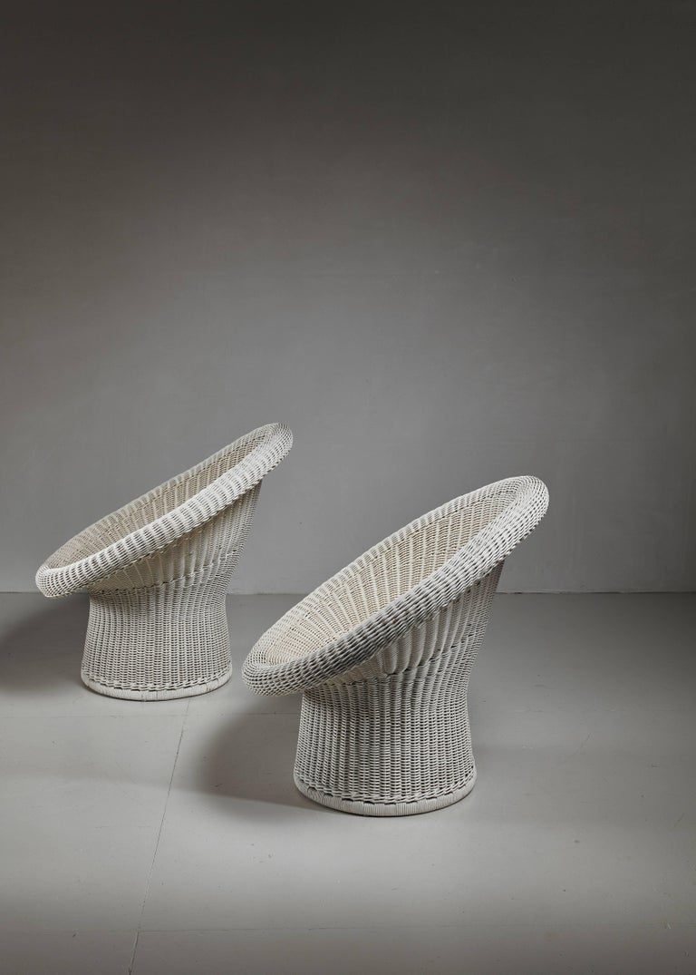 Egon Eiermann Pair of E10 Wicker Chairs, Germany For Sale 1