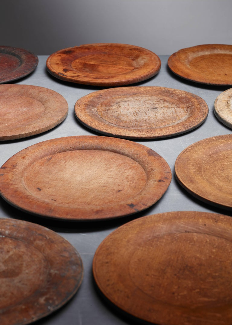 Bohemian Set of 11 Wooden Folk Art Dinner Plates, Sweden, 19th Century For Sale