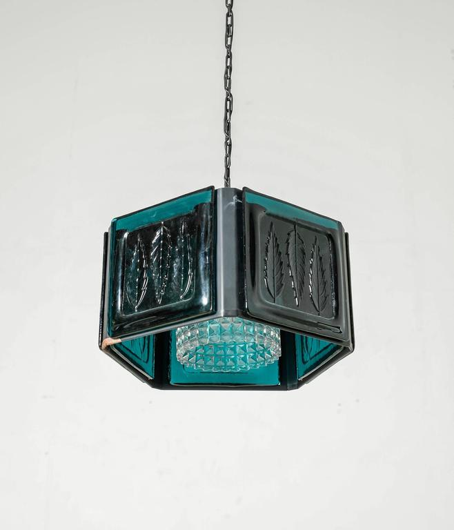 Erik Hoglund blue glass pentagonal pendant for Kosta Boda, Sweden, 1960s In Good Condition For Sale In Amsterdam, NL