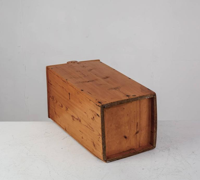 Large Swedish Folk Art Pine Storage Box 19th Century In Good Condition For Sale In & Large Swedish Folk Art Pine Storage Box 19th Century For Sale at ...