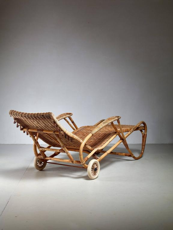 Adjustable bamboo and rattan chaise with wheels germany for Chaise 1930