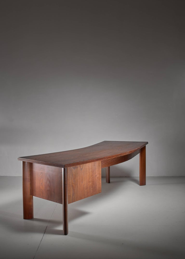 Large Teak Desk by Bela Angelus, Italy, 1940s In Good Condition For Sale In Maastricht, NL