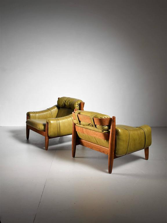 Brazilian Pair of Oak Lounge Chairs with Green Leather Cushions For Sale