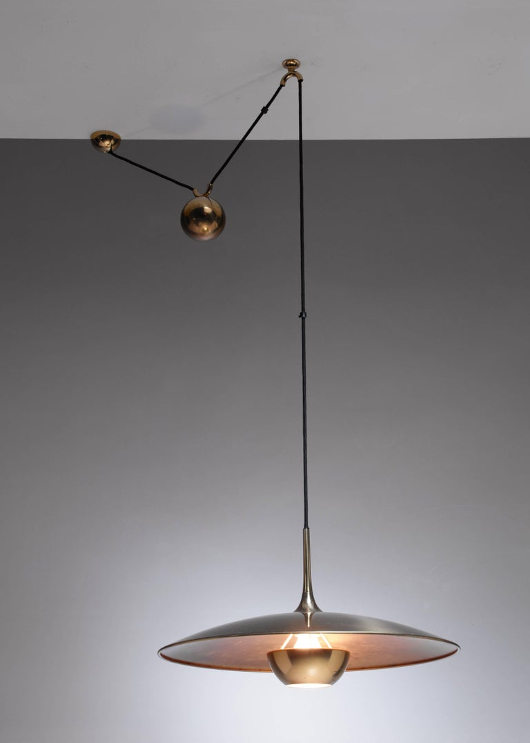 Florian Schulz Brass Onos Pendant with Counterweight, Germany, 1970s In Excellent Condition For Sale In Maastricht, NL