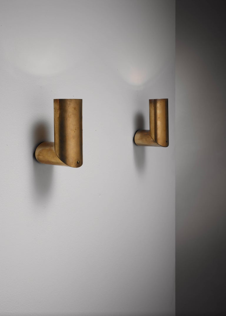 Mid-Century Modern Pair of Arredoluce Brass Wall Lamps, Italy, 1950s For Sale