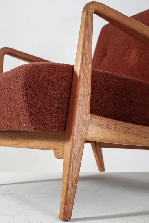 Jens Risom Walnut Lounge Chair with Red-Brown Wool Cushions, USA, 1950s For Sale 1