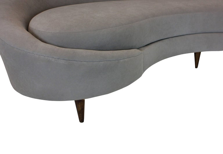 Large Sculptural Ico Parisi Sofa In Excellent Condition For Sale In London, GB