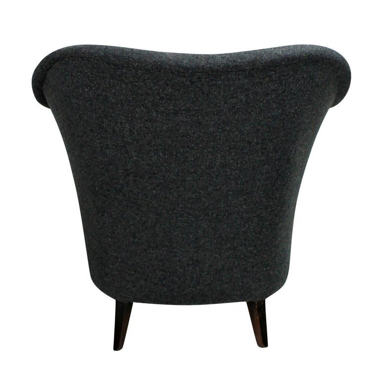 Pair of Sculptural Armchairs In Good Condition For Sale In London, GB