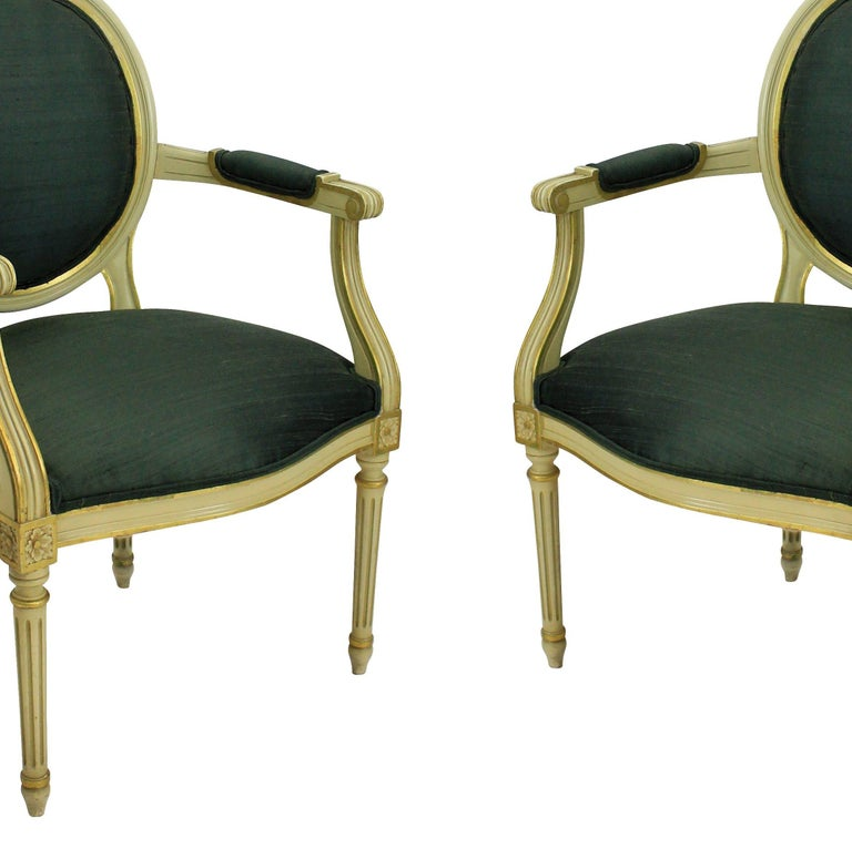 Pair of French Painted and Gilded Armchairs In Good Condition For Sale In London, GB