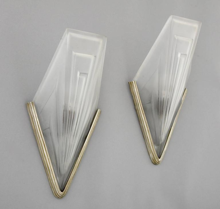 Art Deco Wall Sconce Light Fixtures : French Art Deco Bronze and Glass Wall Lights by Degue, 1930 at 1stdibs