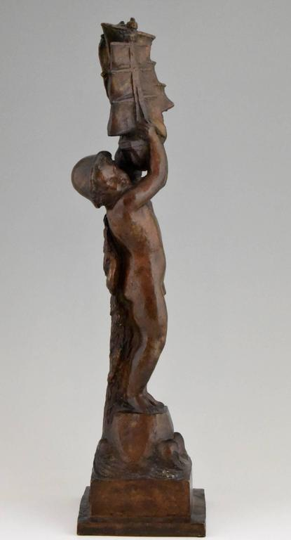 Art Deco Bronze young Boy and Boat by H. Moncassin Susse Freres France 1930 In Good Condition For Sale In Antwerp, BE