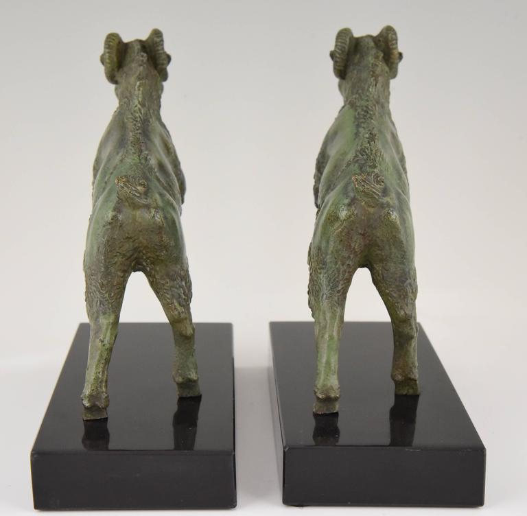 Art Deco Bronze Ram Bookends on Marble Base Signed Scribe, 1930 France In Excellent Condition For Sale In Antwerp, BE