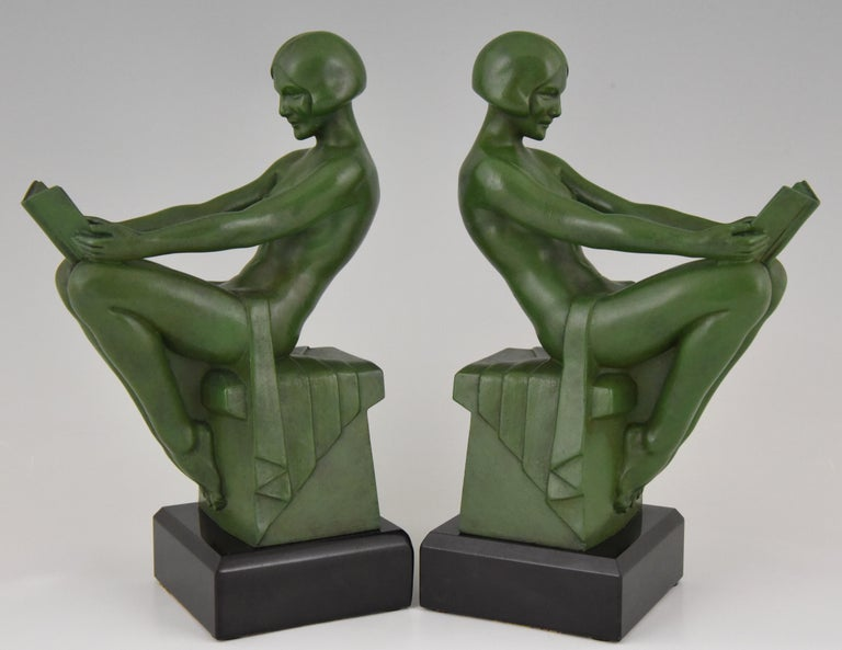 French Art Deco Bookends Reading Nudes Max Le Verrier France 1930 Art Meal Green Patina For Sale