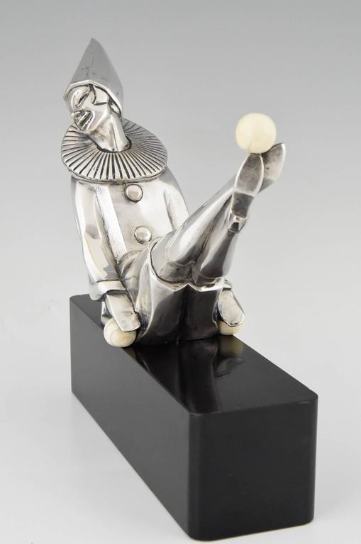 French Art Deco Silvered Bronze Sculpture of a Clown by Marcel Bouraine, 1930, France For Sale