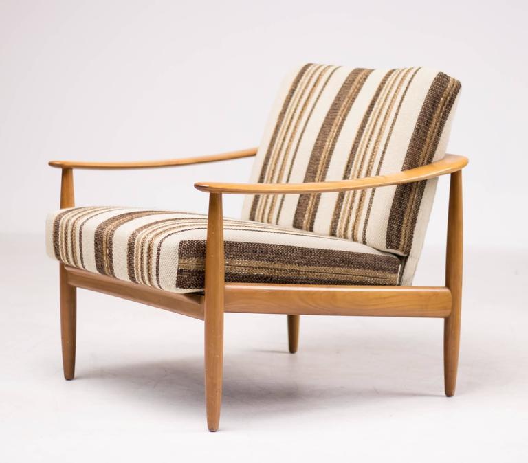 scandinavian mid century modern living room suite with