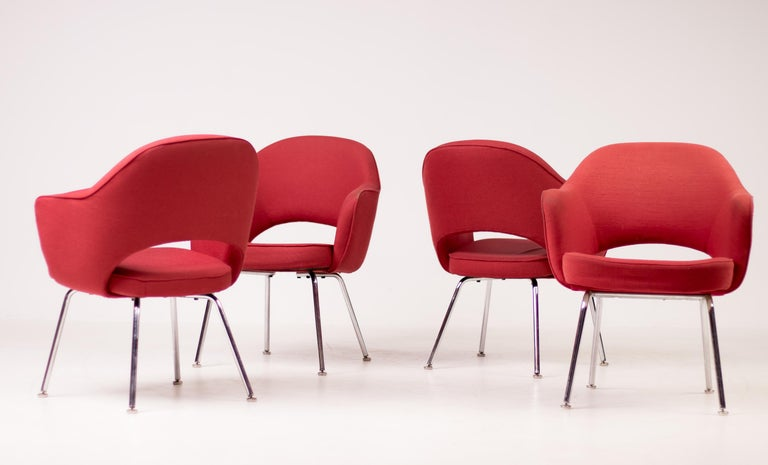 Set of Four Saarinen Executive Armchairs by Knoll International In Good Condition For Sale In Dronten, NL