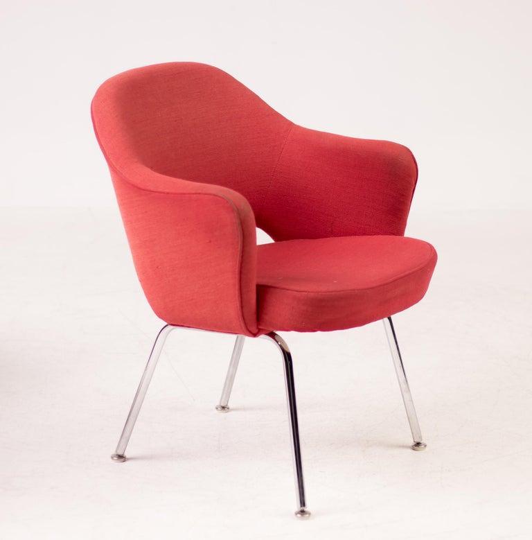 Mid-Century Modern Set of Four Saarinen Executive Armchairs by Knoll International For Sale
